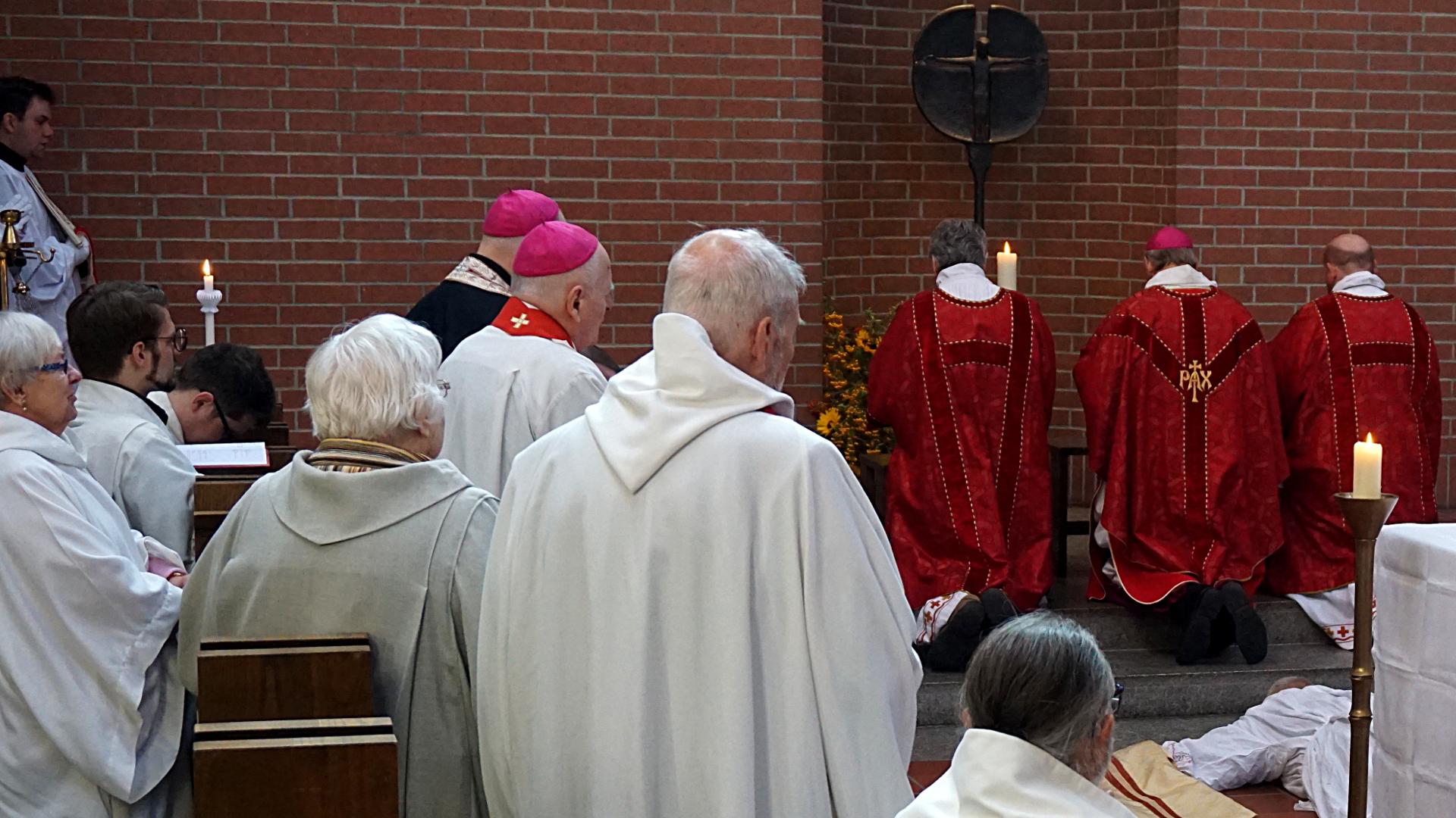 Allerheiligenlitanei Prostatio Presbyterweihe Priesterweihe 2017 SJB Johannesbruderschaft
