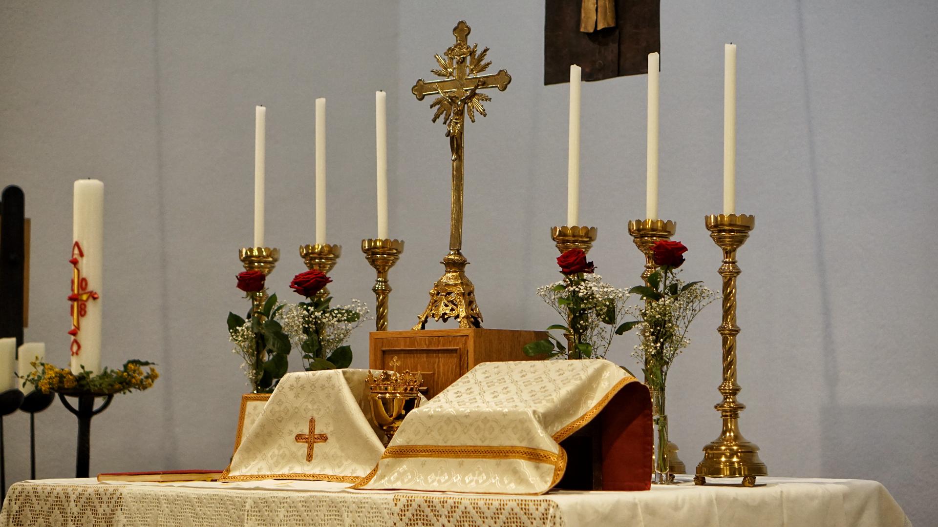 Altar bereitet Osterkonvent Marburg 2018
